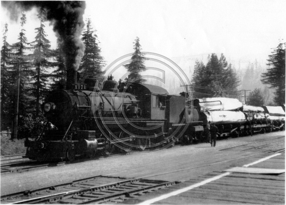 Engine hauling out of Camp Grant